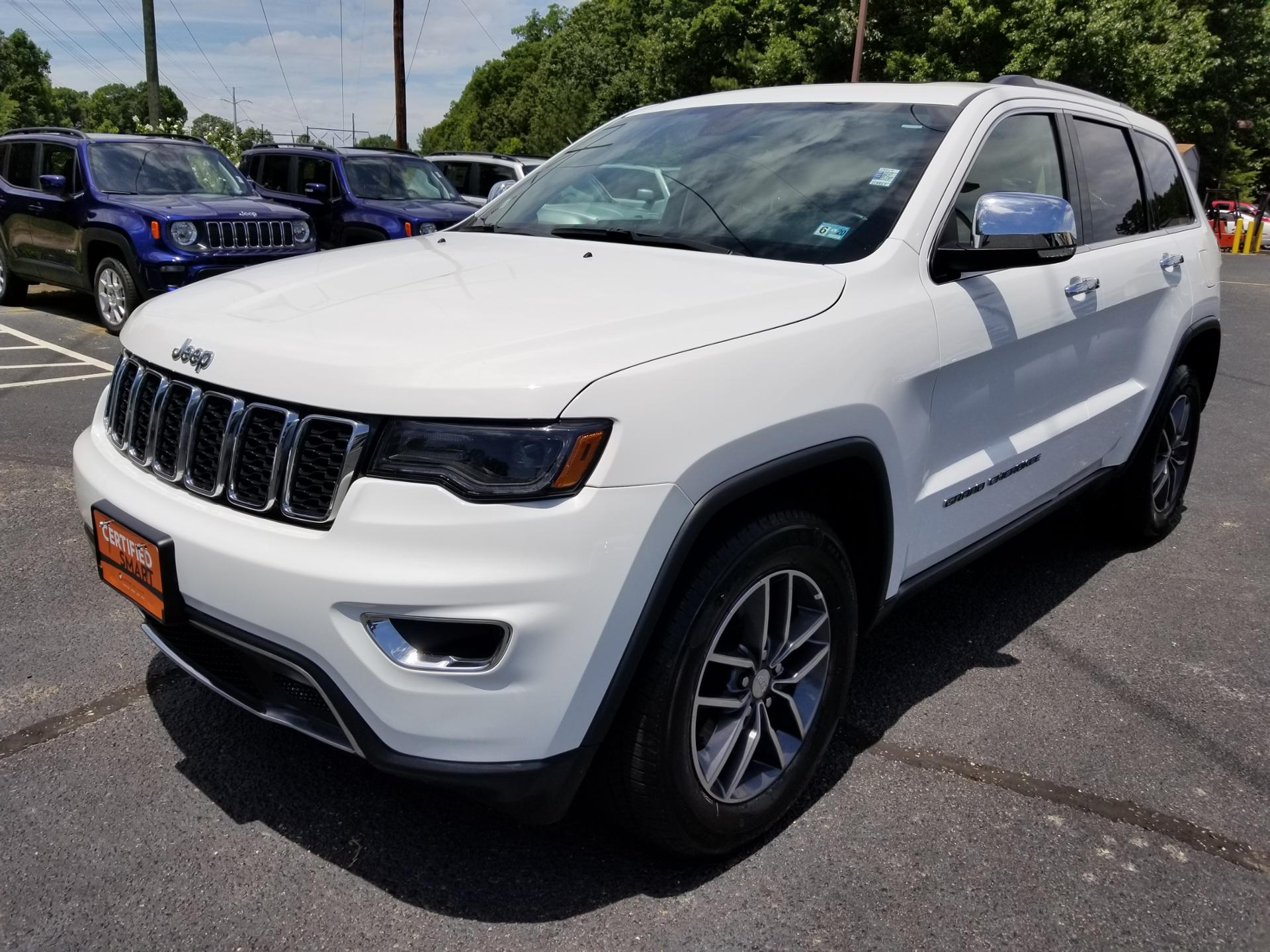 Certified Pre-Owned 2017 Jeep Grand Cherokee LIMI